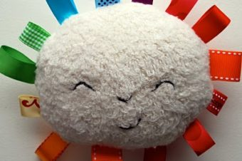 Rainbow Sunshine plushie pattern by chezbeeperbebe