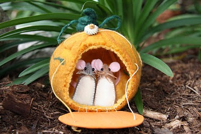 Little Pocket Mice by Rhythm and Rhyme