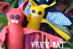 Free Bat pattern to sew with felt and fabric scraps. plushiepatterns.com