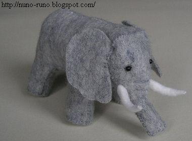 elephant stuffed animal tutorial \ plushiepatterns.com