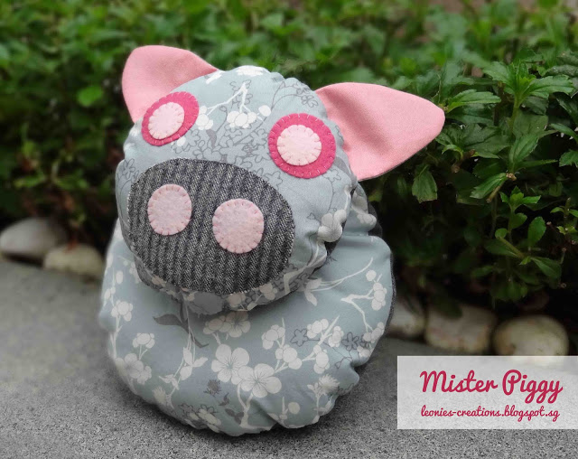 Pig Stuffed Animal Tutorial | plushiepatterns.com