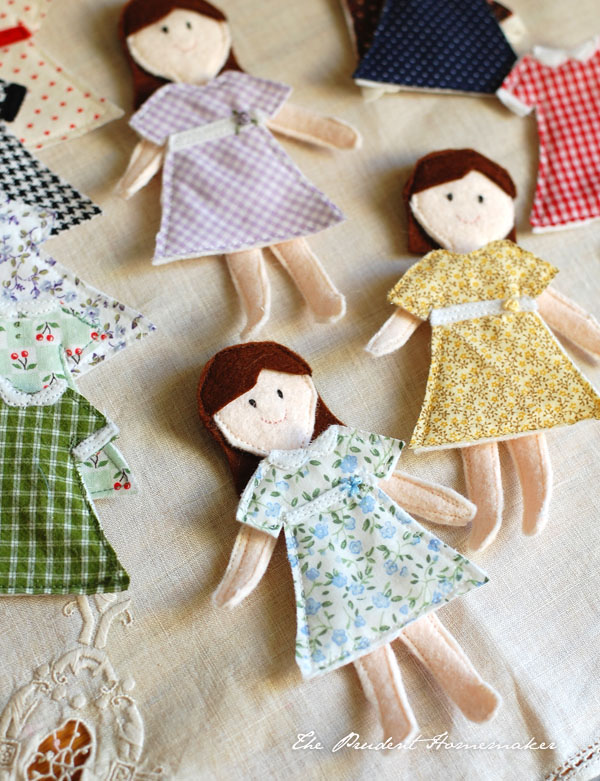 felt paper doll tutorial-