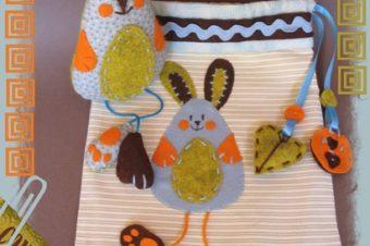 Bunny Plushie Pattern – with floppy feet!