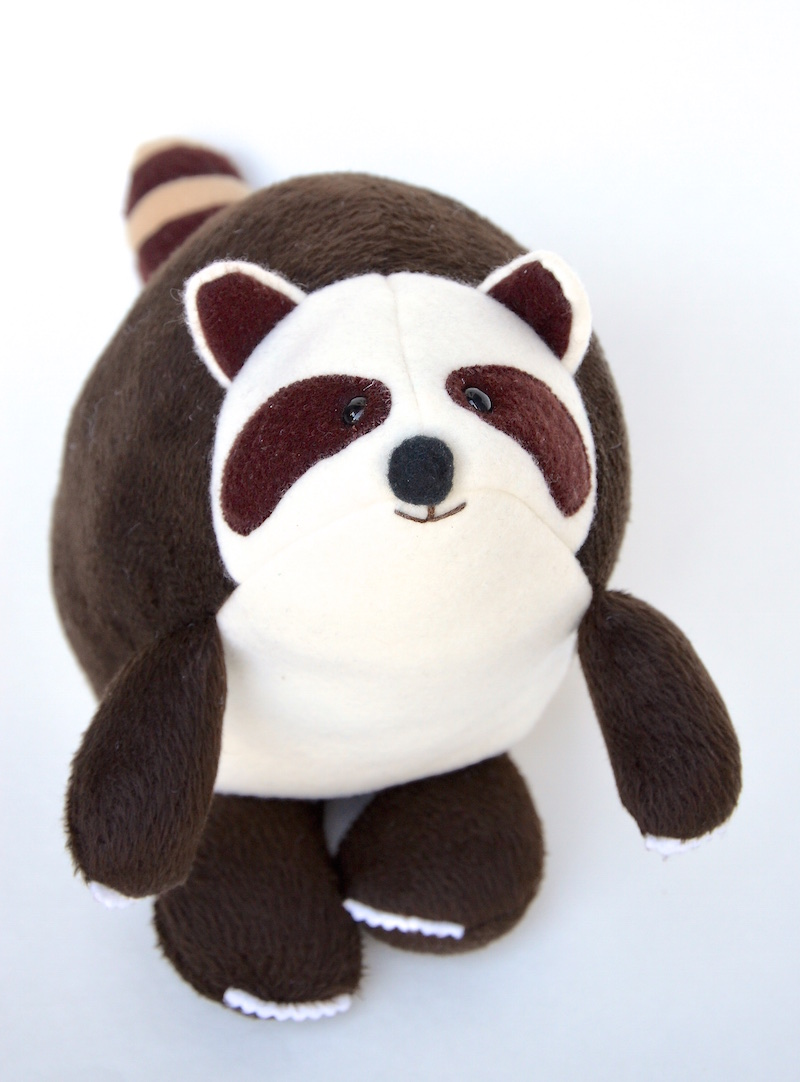raccoon plushie pattern- free stuffed animal you can sew!