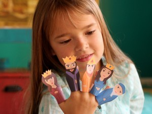 Purim-Finger-Puppets--300x225